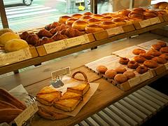 パンはいつかご飯を超えることができる?
